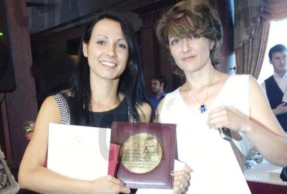 Таня Петрова и Ивет Миткова са носителите на голямата награда за 2013 г. за разследваща журналистика