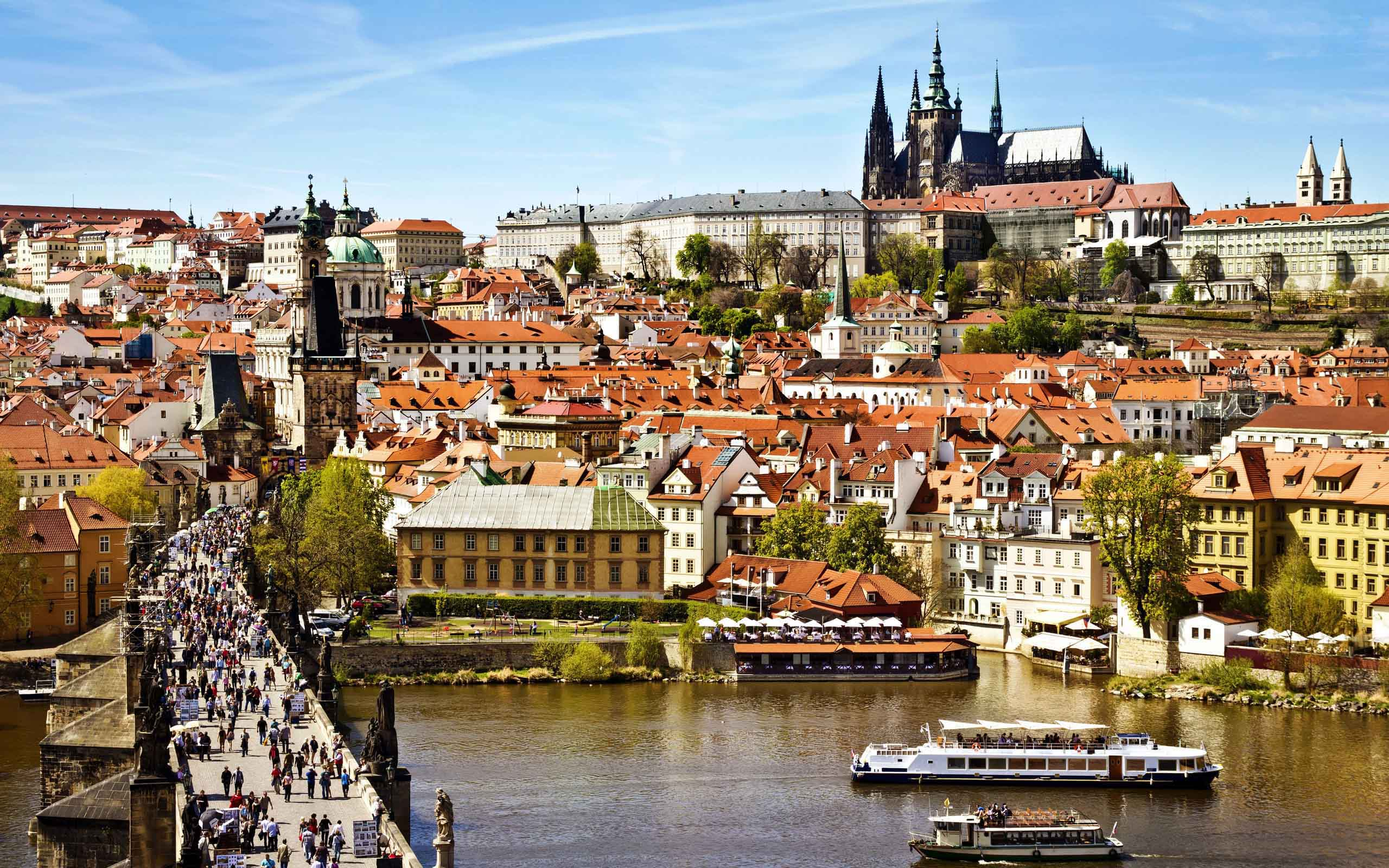 """Петър Георгиев е стажант на фондацията в """"Transitions Online"""" в Прага за 2017 г."""